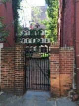 <h5>Patchin Place, Greenwich Village</h5>