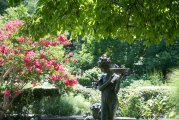 <p>Frances Hodgeson Burnett Memorial Fountain, Conservatory Garden</p>